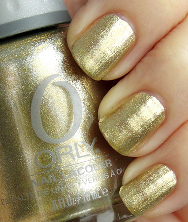 All lacquered up1 Gold manicure design in any styles
