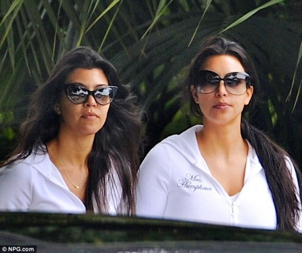 The new Mrs Humphries and her sister, Kourtney
