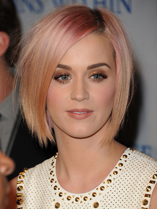Katy Perry debuts her new blonde and pink hairdo (Image by Jason Merritt/Getty Images)