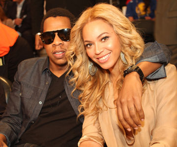 Jay-Z and Beyonce, the proud new parents of Blue Ivy (image via nz.lifestyle.yahoo.com)