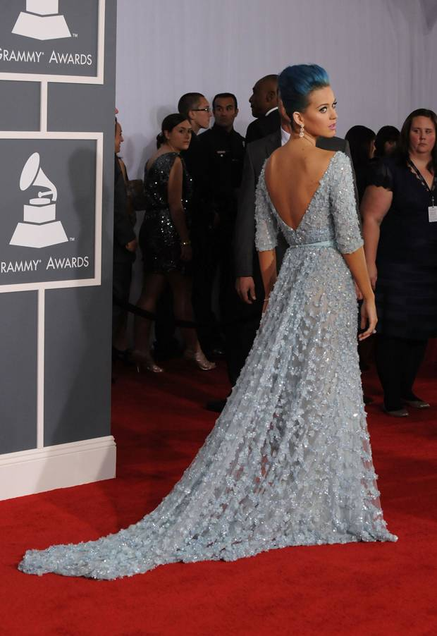 Just as gorgeous from the back, Katy shows off her dress and edgy hairdo