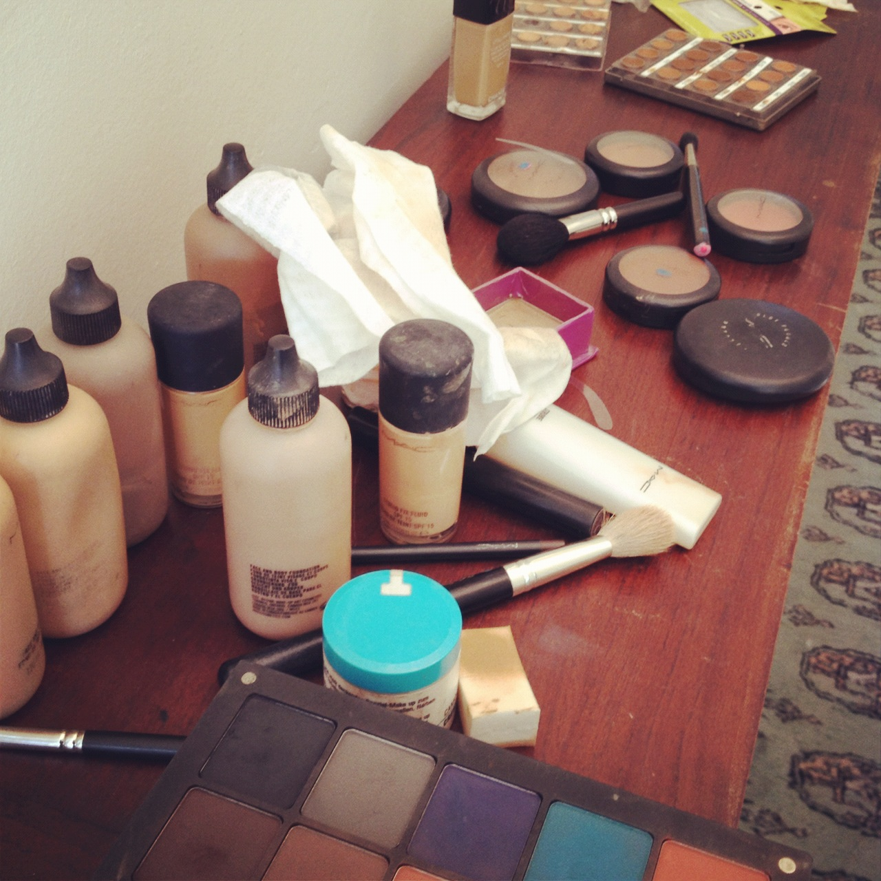 pout-school-of-fashion-makeup-day-1