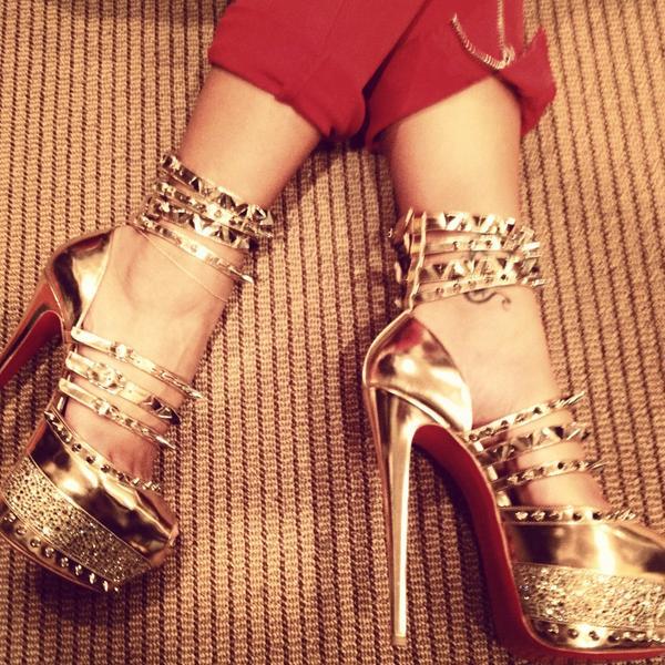 Cassie-Christian-Louboutin-Gold-Mirror-Spiked-Platform-Heels