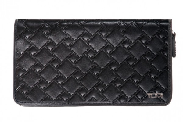 stylescoop-TUMI-Ticon-large-zip-travel-wallet
