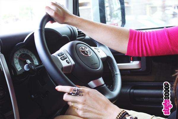 toyota-fj-cruiser-inside-driving-4