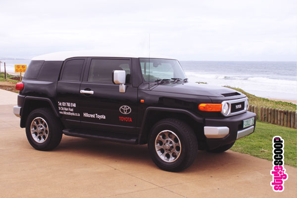 toyota-fj-cruiser-side-beach-2