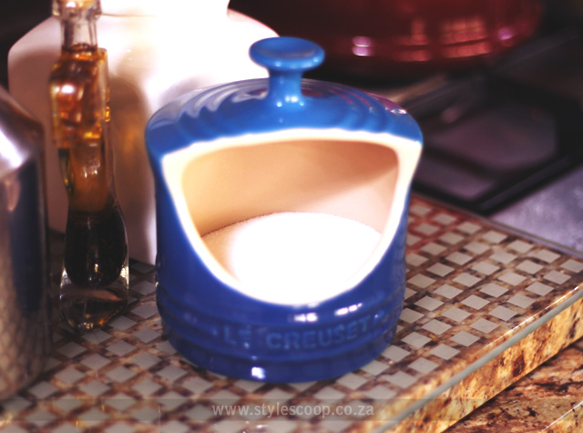 le-creuset-salt-keeper-with-salt
