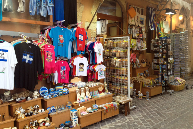 stylescoop-greece-chania-at-tourist-shop