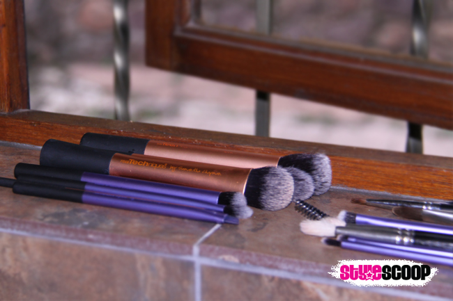 cleaning-makeup-brushes-step-windowsil