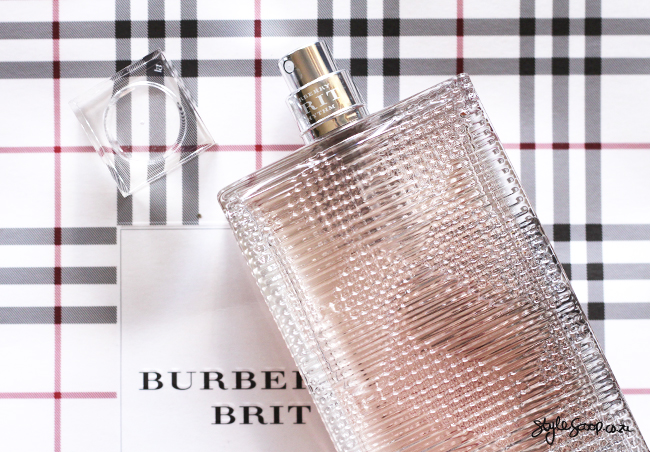 burberry-brit-rhythm-stylescoop-branding