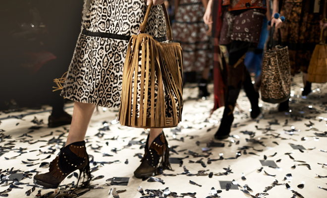 "Burberry Bucket Bag – The New ""It Bag"""