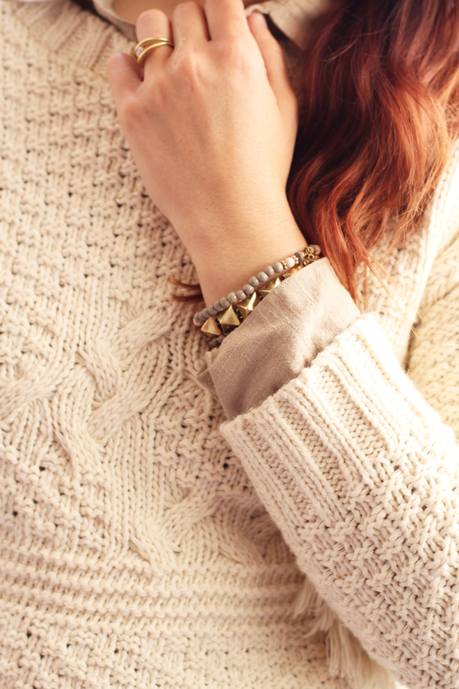 old-khaki-fringe-knit-sweater-cozy-outfit-ideas-for-winter-8442