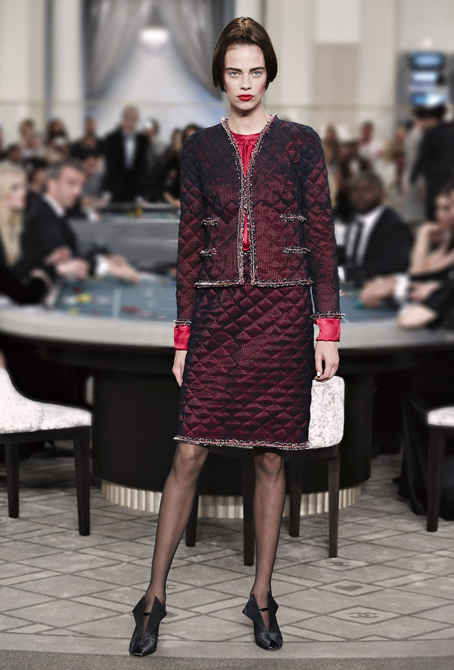 Chanel-Fall-Winter-2015-2016-Haute-Couture-3D-collection--1