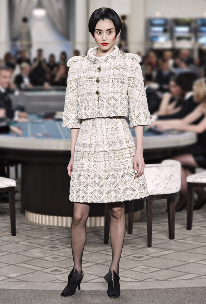 Chanel-Fall-Winter-2015-2016-Haute-Couture-3D-collection--11