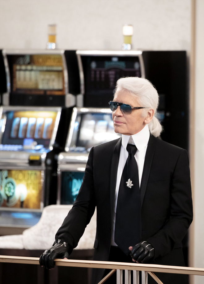 Chanel-Fall-Winter-2015-2016-Haute-Couture-3D-collection-Karl-Lagerfeld