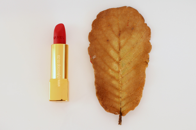 chanel-autumn-winter-2015-2016-makeup-collection-review-lips-rouge-allure-velvet-La-Bouleversante