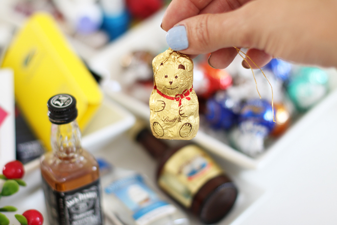 christmas-crackers-ideas-lindt-teddy