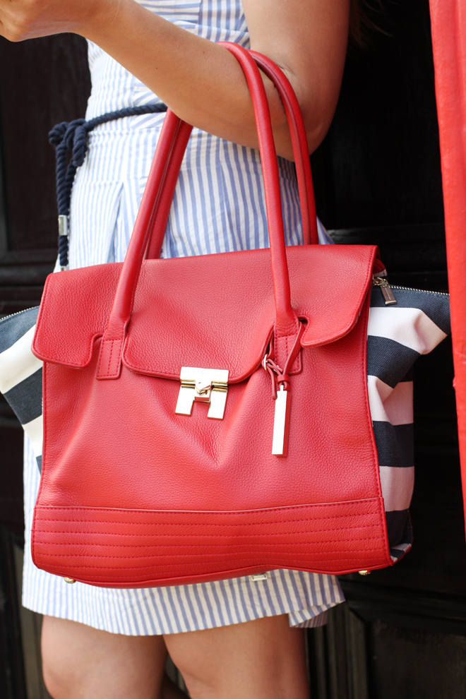 tommy-hilfiger-chilli-pepper-satchel-outfit