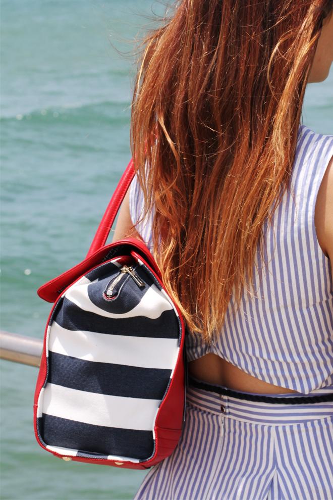 tommy-hilfiger-chilli-pepper-satchel-stripe-handbag