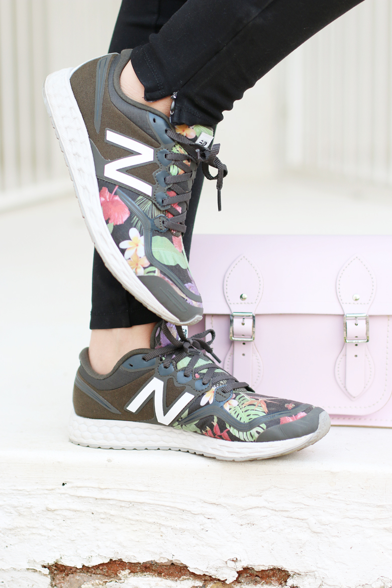 fashion-blogger-new-balance-midnight-blooms