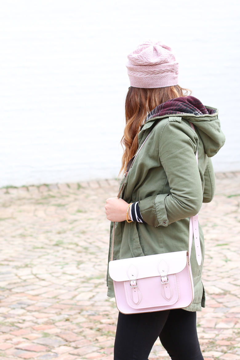pink-beanie-outfit