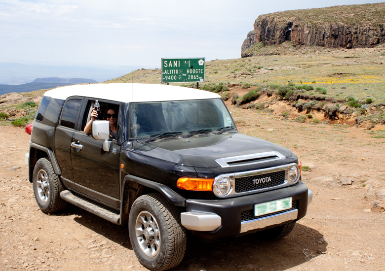 lesotho-sani-pass-adventure-blog-lifestyle-south-africa-stylescoop---fj-cruiser-at-the-top