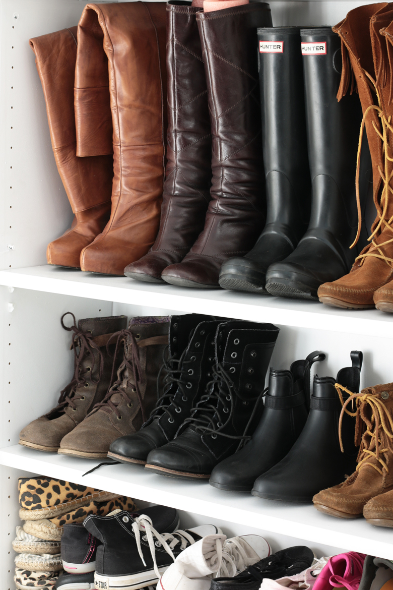 stylescoop-closet-room-blogger-closets-shoe-wall-5685