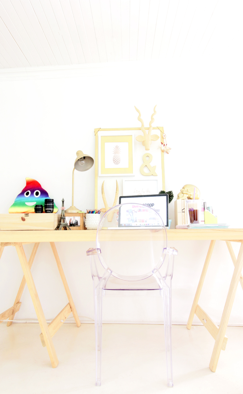 5 Desk Goals To Start Your Work Year Off Right