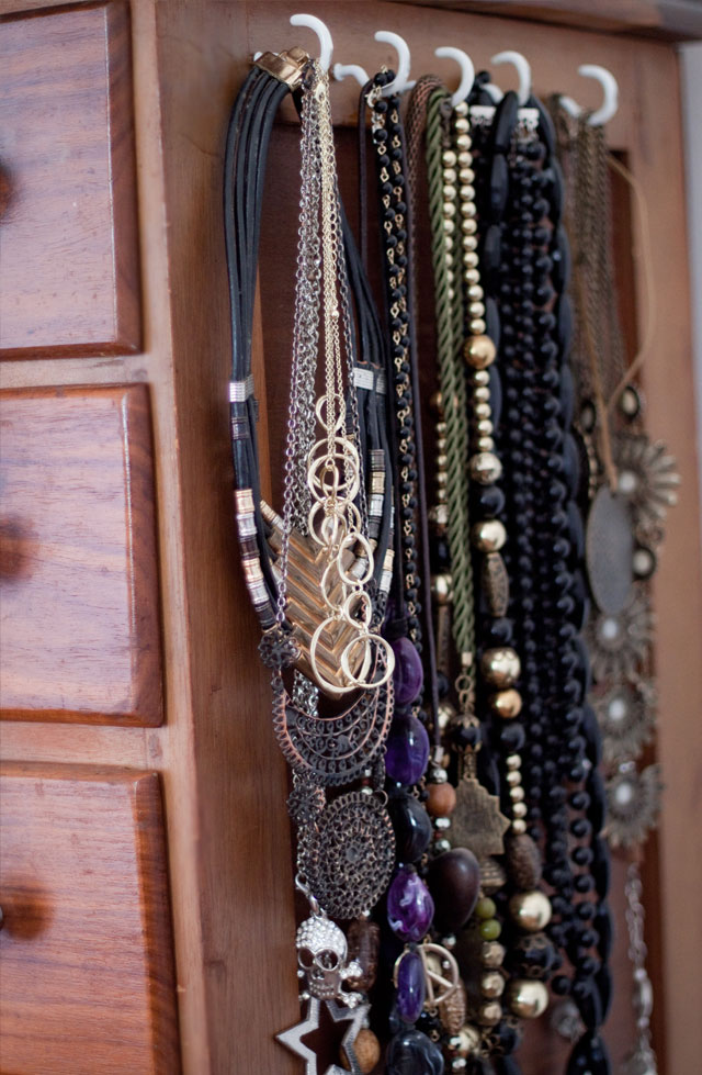 Ideas to Organize & Store your Accessories on www.stylescoop.co.za