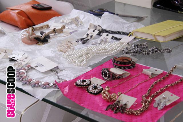 colgate-optic-white-accessories