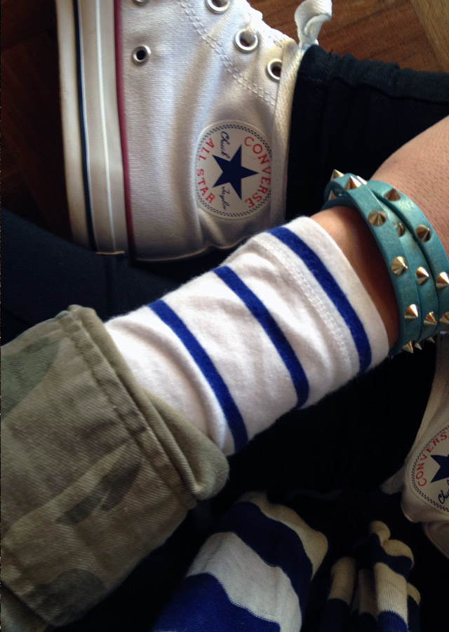peek-a-boo-sleeves-converse