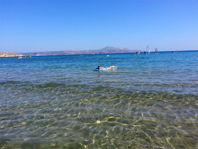 stylescoop-greece-crete-beach-lylo