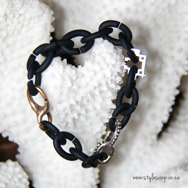 X by Trollbeads. Link with Love!