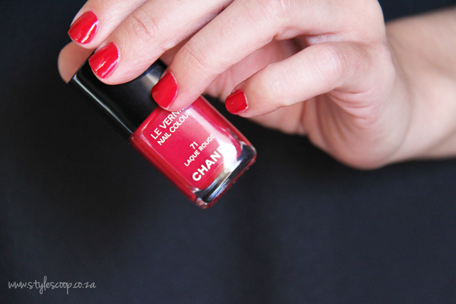 chanels-iconic-red-nail-polish-collection-71-laque-rouge