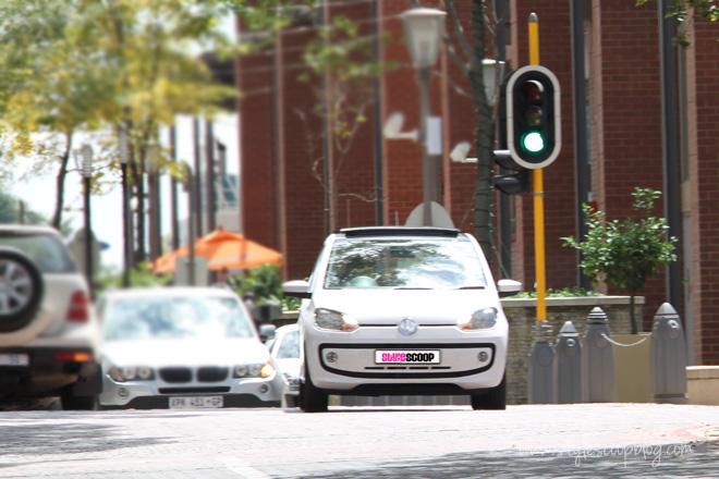 2-volkswagen-up-review-stylescoop-city-2