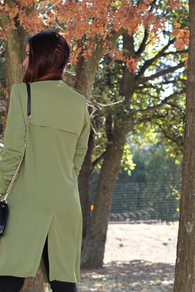 green-military-trench-outfit-ideas-ootd-back-detail
