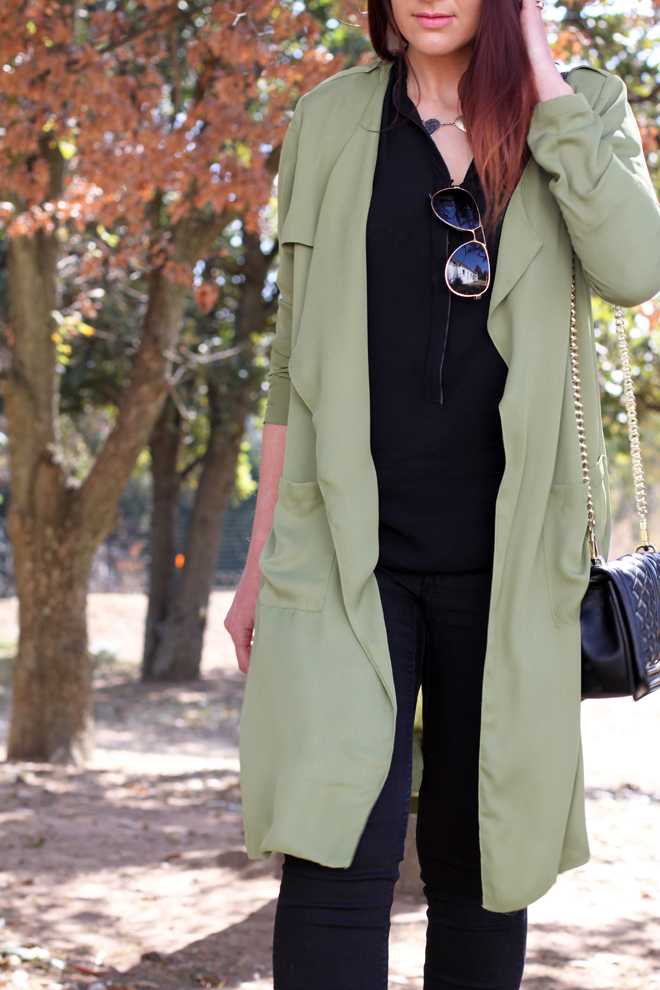 green-military-trench-outfit-ideas-ootd