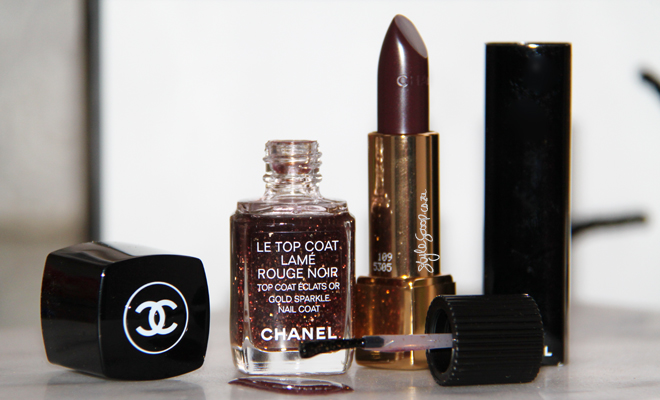 Chanel Collection Rouge Noir Absolument