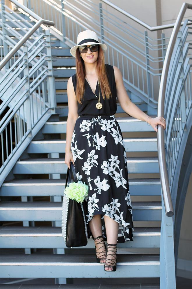 banana-republic-black-and-white-midi-skirt-outfit-5954
