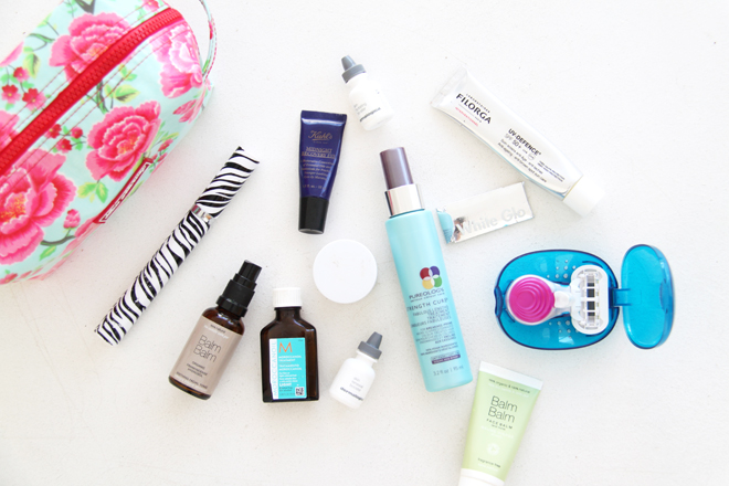 travelling-beauty-bag-essentails-contents