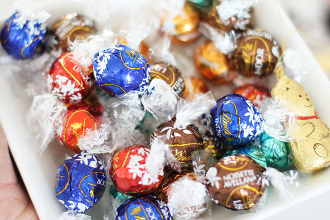christmas-cracker-filler-ideas-lindt-balls