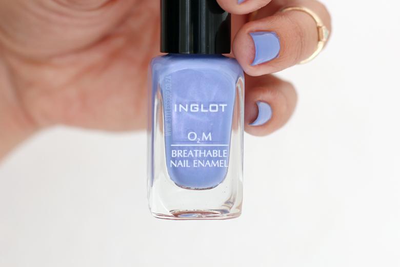 inglot-pantone-colour-collection-2016-makeup-rosequartz-serenity-stylescoop-beauty-blogger-inglot-breathable-nail-polish-enamel-700