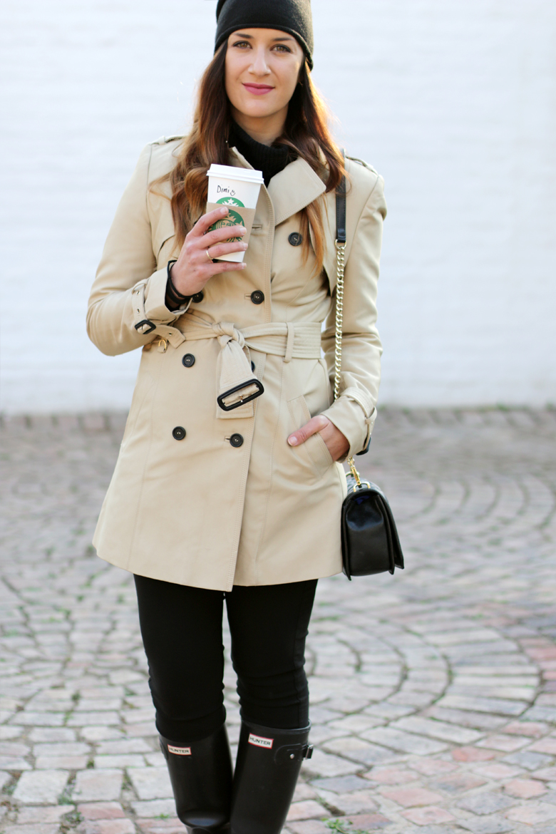 classic-winter-outfit-trench-coat-hunter-boots-black-beanie-outfit-ideas-stylescoop-fashion-blogger-south-africa-6