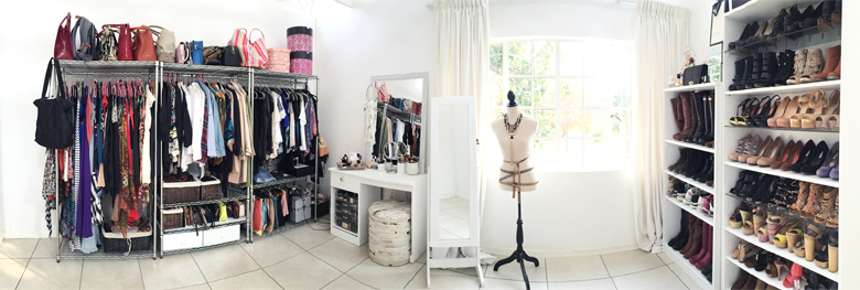 stylescoop-closet-room-blogger-closets-panoview-1