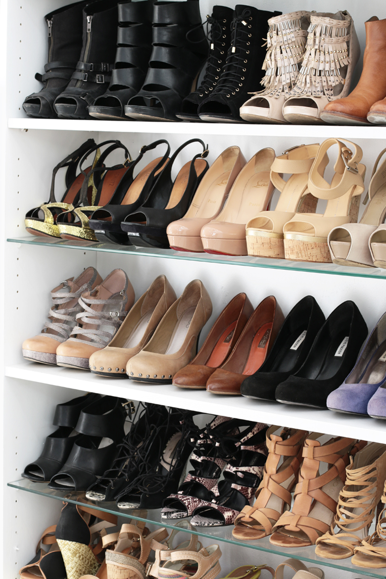 stylescoop-closet-room-blogger-closets-shoe-wall-5684