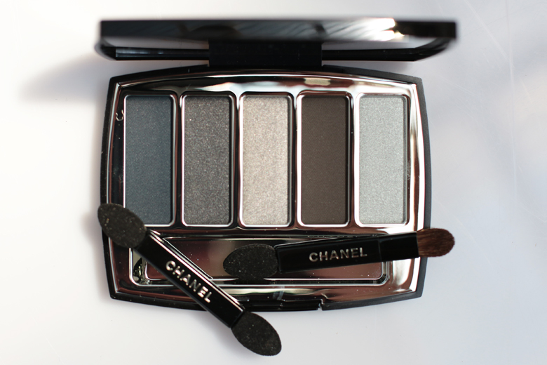 limited-edition-gifts-for-christmas-stylescoop-chanel-holiday-2016-architectonic-eyeshadow-palette-lifestyle-blog-south-africa-3623
